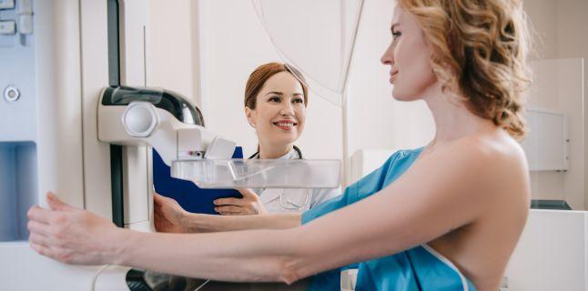 Cancerul la san, depistat la timp prin analize de sange